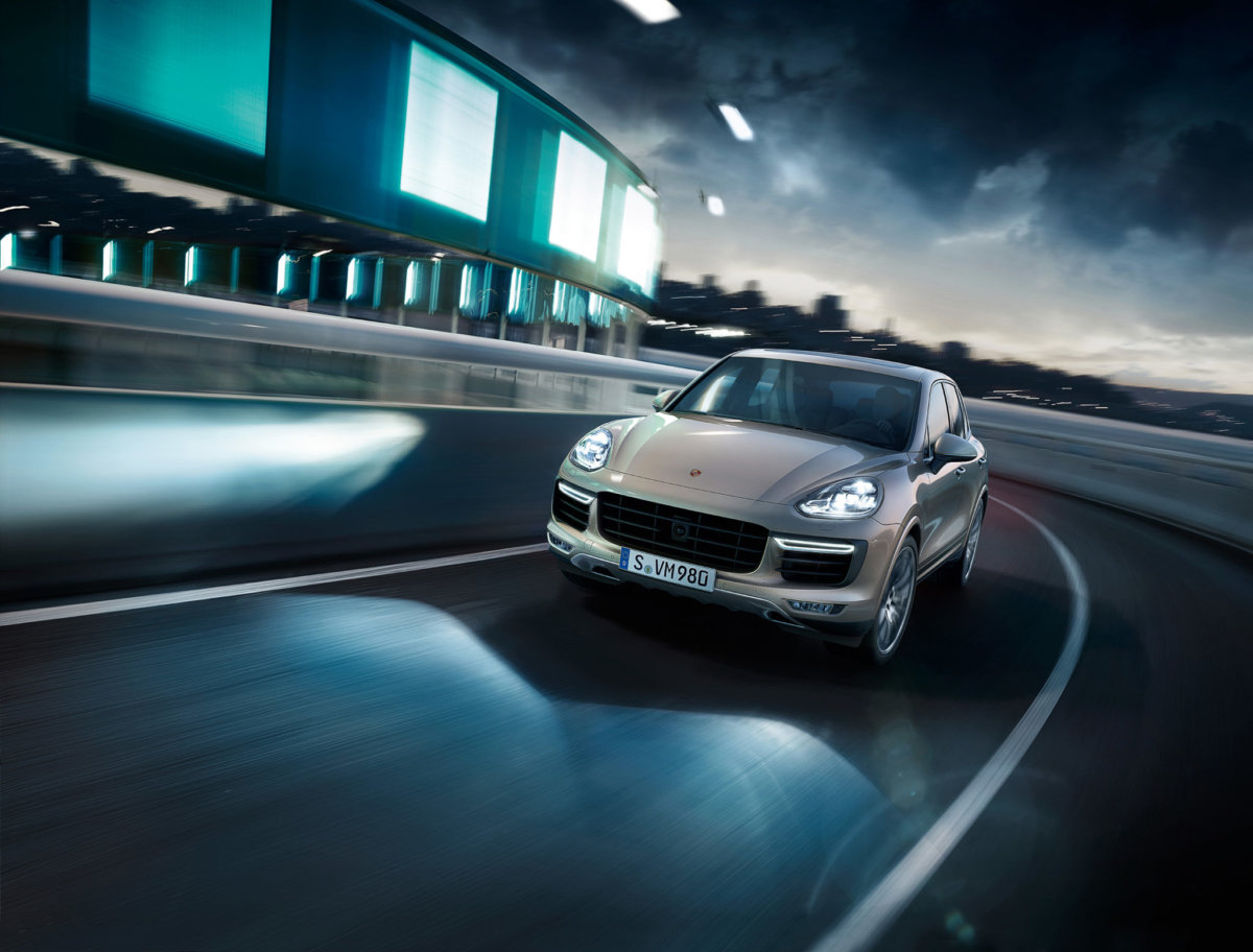 Porsche Cayenne E2 – Circle Media - CRXSS